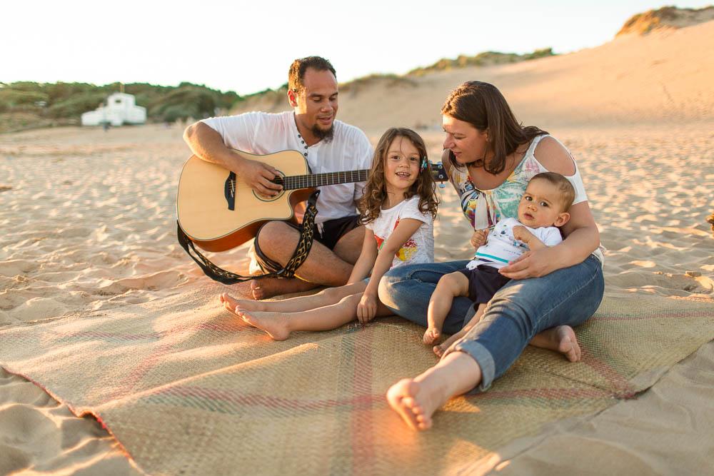 seance famille à la guitare
