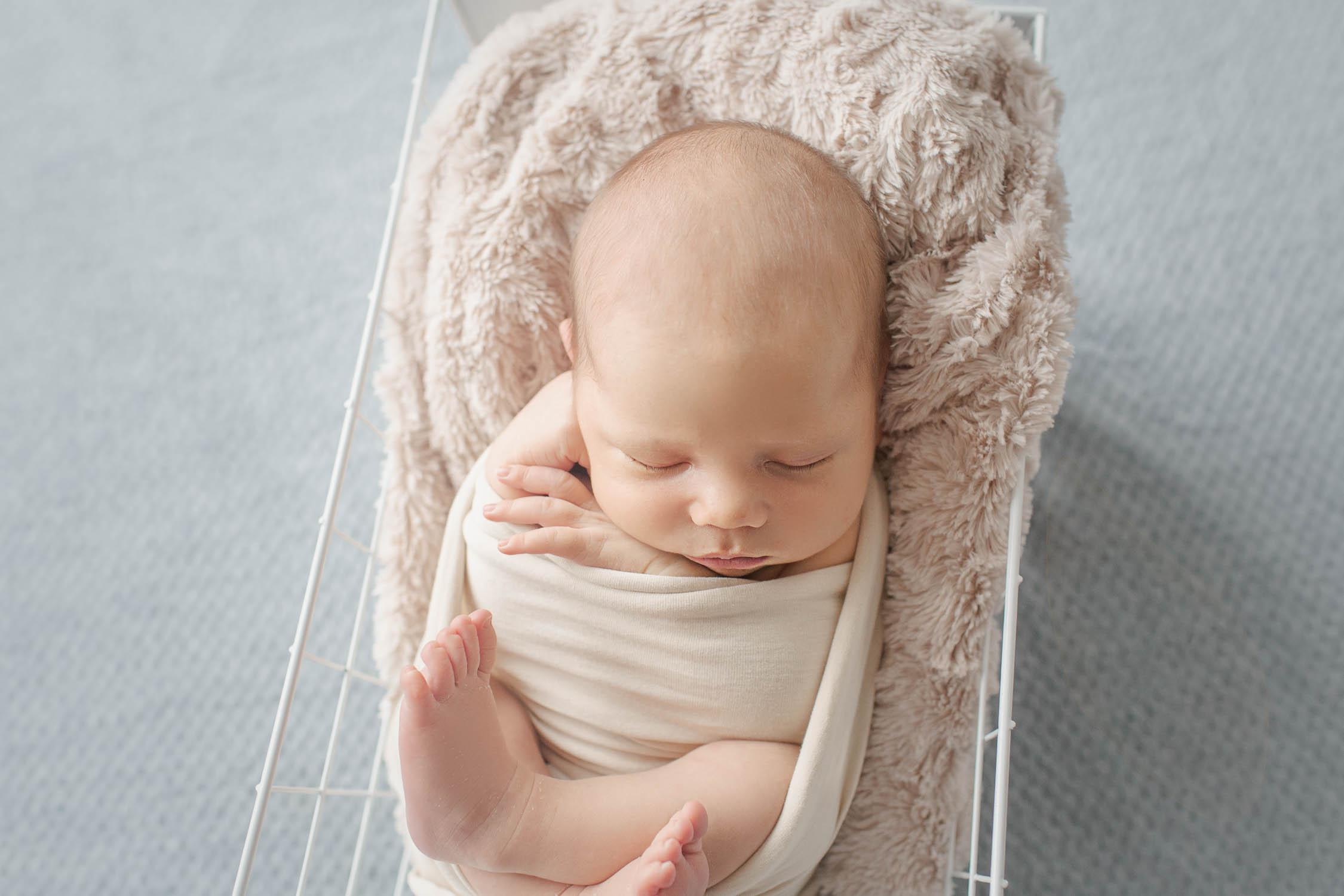 Noé Nouveau-né de 18 jours